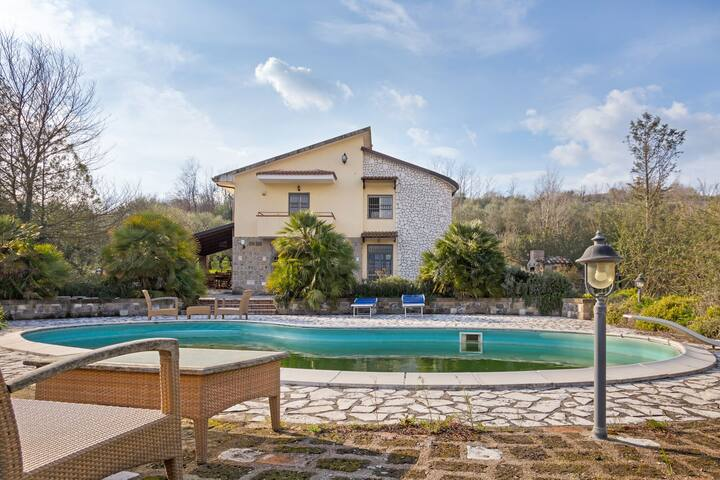 Enchanting Villa in Castel Campagnano with Swimming Pool