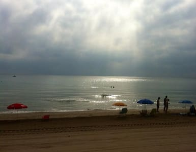 Big apartment in front of the sea. - Sueca - Wohnung