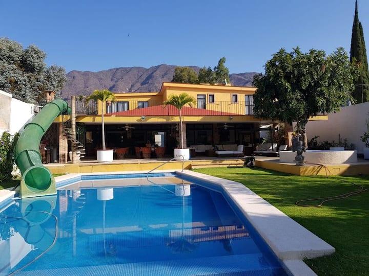 Villa en Ajijic a la orilla del Lago de Chapala
