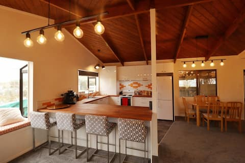 Lumber Jack's Lodge - Contemporary, cosy and rural