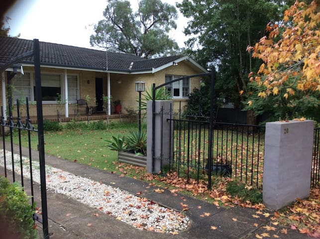 Sunny room in North Nowra - North Nowra - Talo