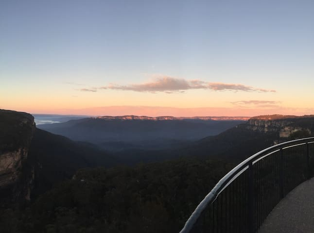 Wentworth Falls lookout is an easy stroll 600 metres down the road.  No excuses not to catch a stunning sunset!