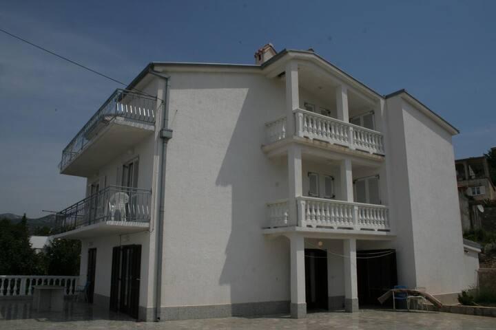 Room with balcony and sea view Klenovica, Novi Vinodolski (S-3018-a)