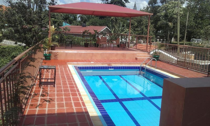 Fully furnished 2 bedroom Apartment - Kampala - Appartement
