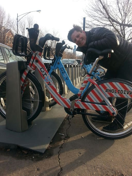 2 Divvy keys are included, Chicago's bike sharing system.