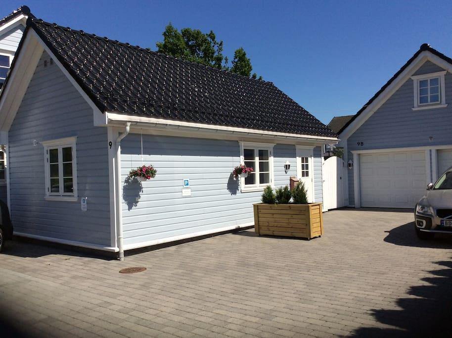 The little blue house suite degli ospiti in affitto a for Prendere in prestito denaro per costruire una casa