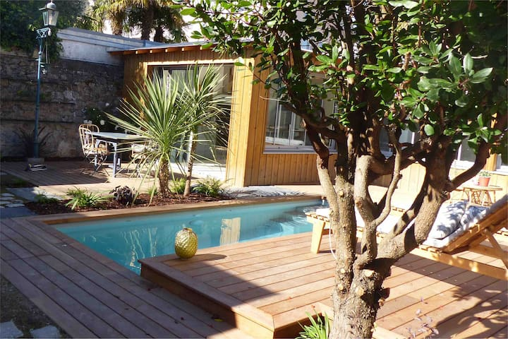 Le Nid du Héron: Gîte urbain avec piscine chauffée
