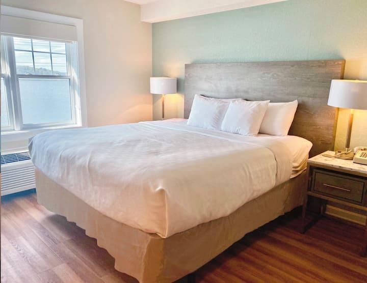 Atlantic Beach Hotel; 2 King Beds