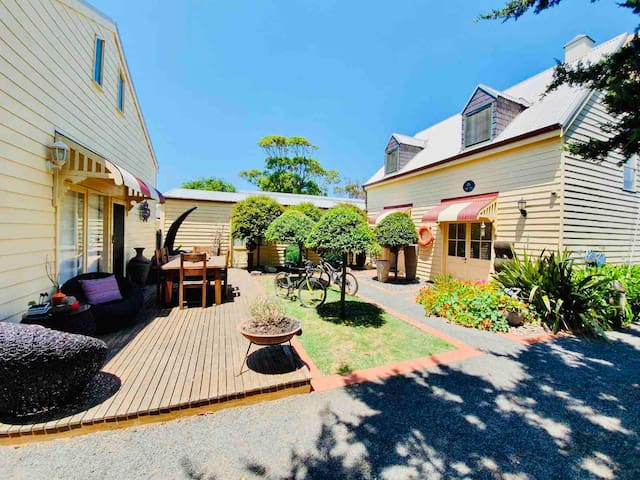 Gowrie Guest House