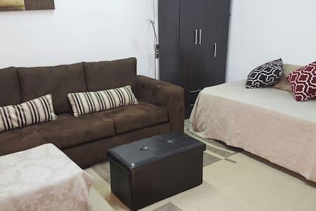 Habitación privada  cerca de todo / Private room - asunción  - Apartment