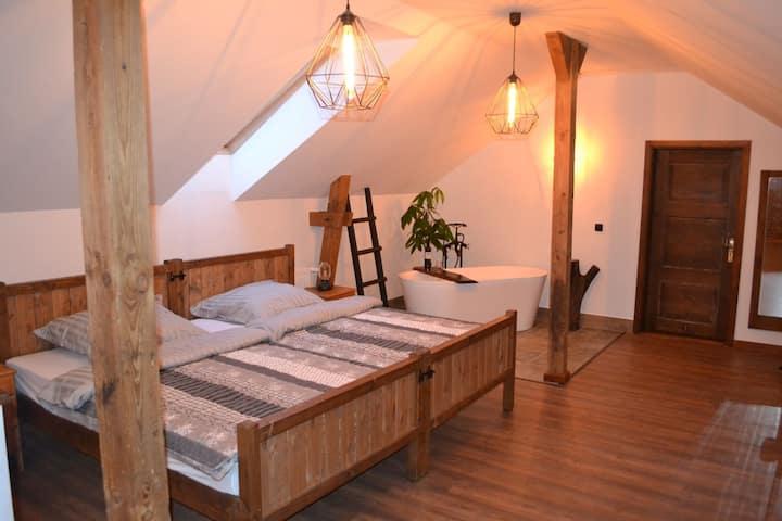 Apartament w środku lasu / Agroturystyka Zagrody