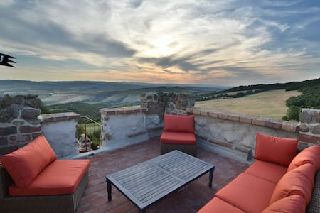 Iperbole country house,  Val d'Orcia, Tuscany