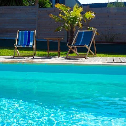 Concarneau proche plage 2 Maisons piscine chauffée