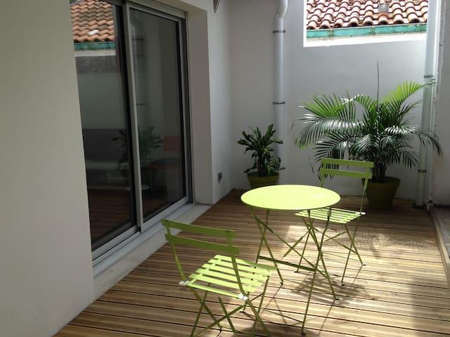 Terrasse ensoleillée sans vis a vis