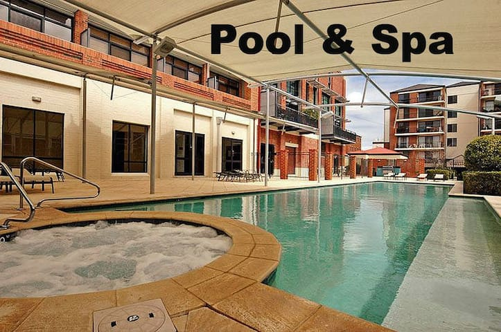 Private double bedroom in the heart of the city - Perth - Apartment