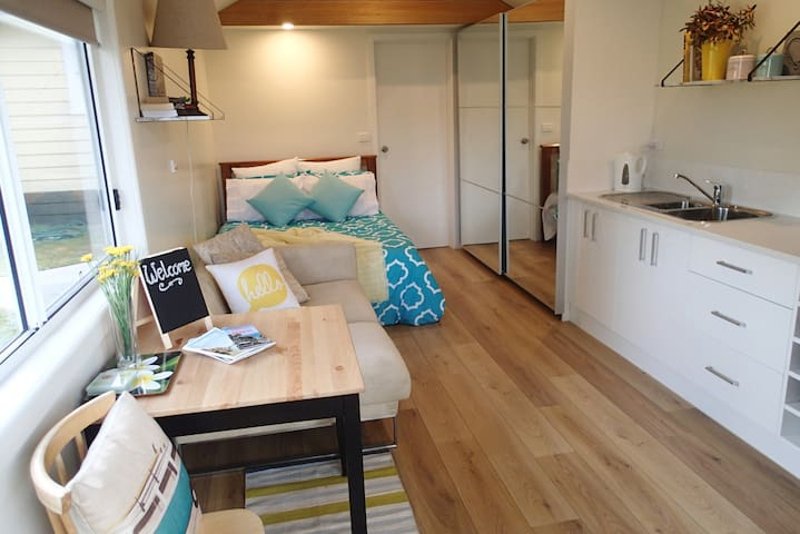 Great Location, New Beach Bungalow - Frankston - Bed & Breakfast