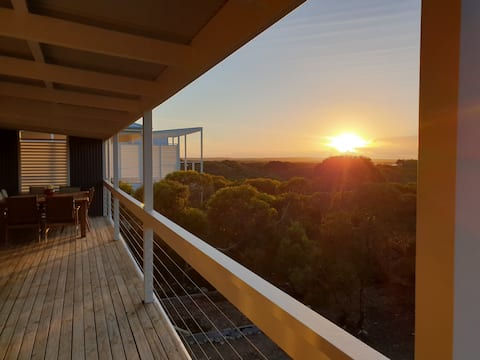 Adventures Rest - Spacious holiday home with Views