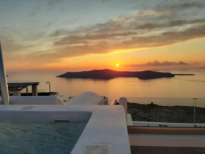 Caldera View Private Honeymoon Suite with Jacuzzi