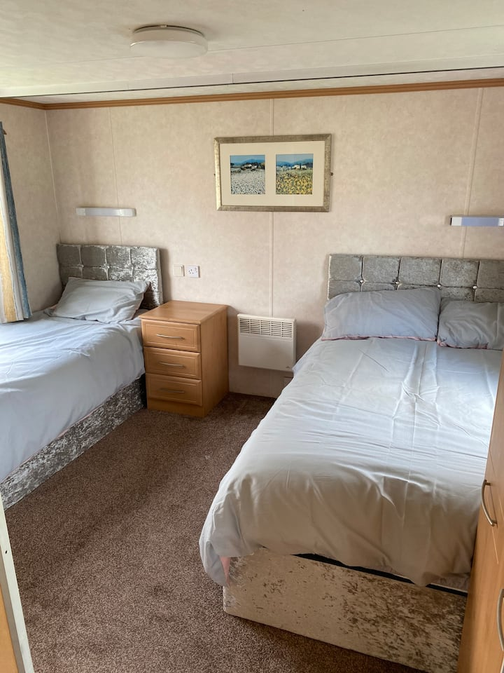 Static caravan situated on regent bay holiday park