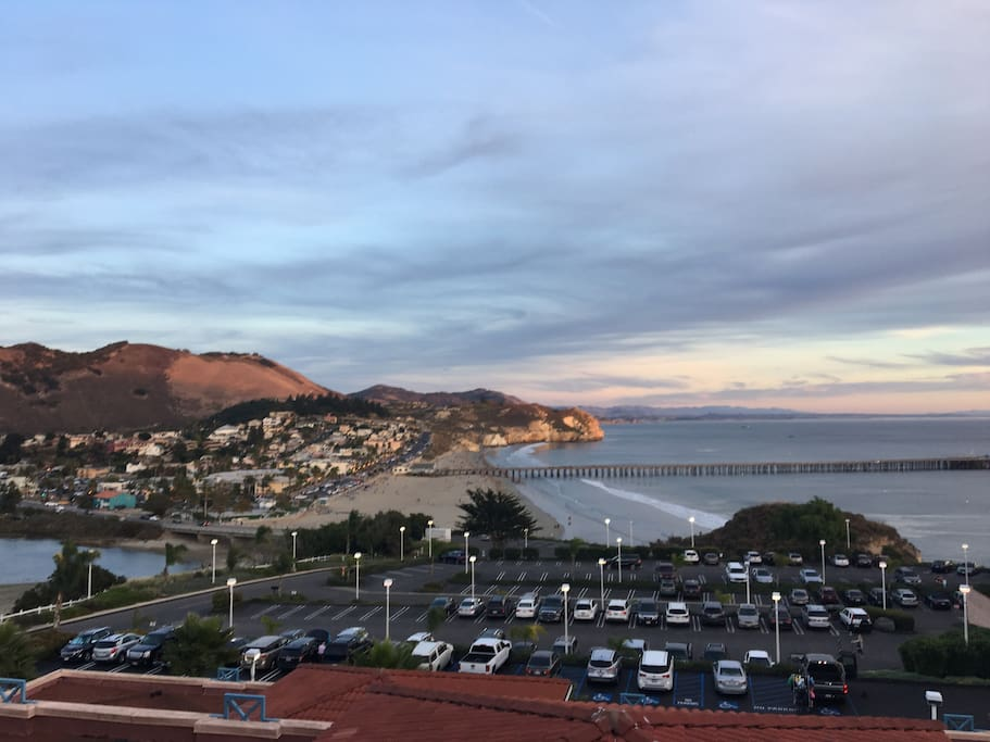 High on a hill facing tranquil Avila Bay. walk to sandy Avila beach and quaint downtown.