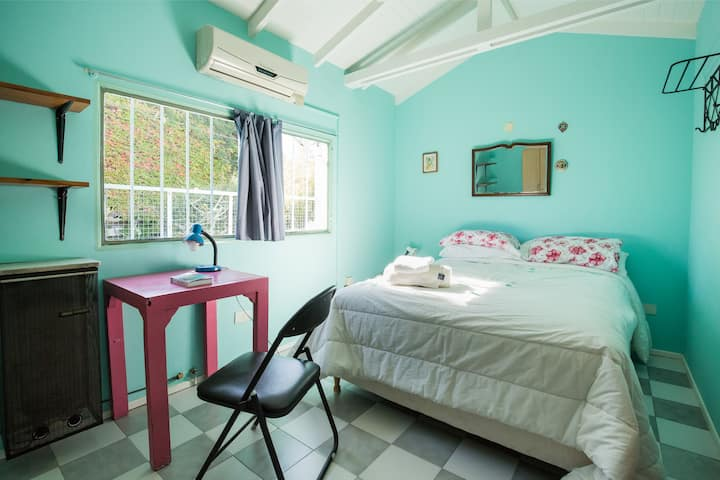 Bright, Private Room with Double Bed
