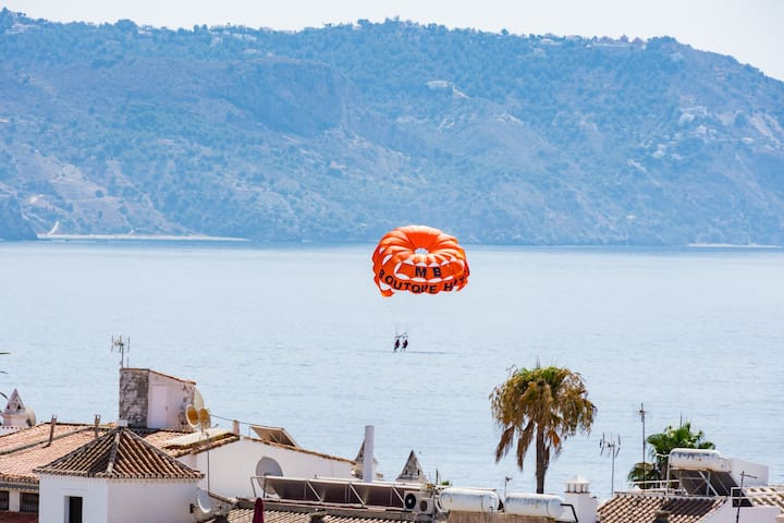 This is your view! Old town Nerja, beaches 2 min. - Nerja - Bed & Breakfast