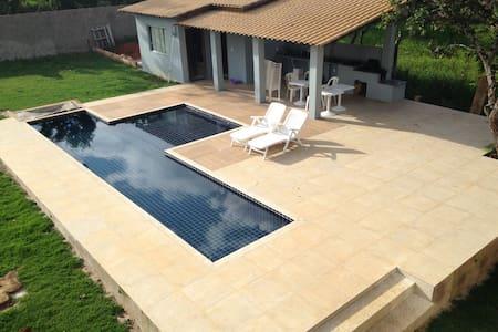 Excelente casa em condomínio, piscina e 4 suítes! - Lagoa Santa