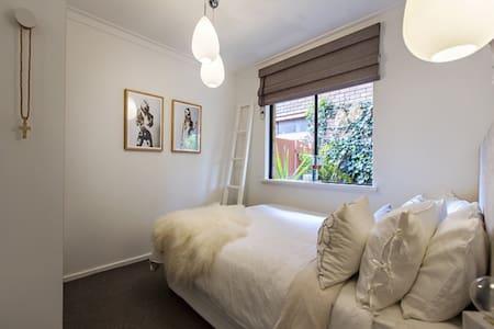 Beautiful Beaufort Street - Mount Lawley - Villa