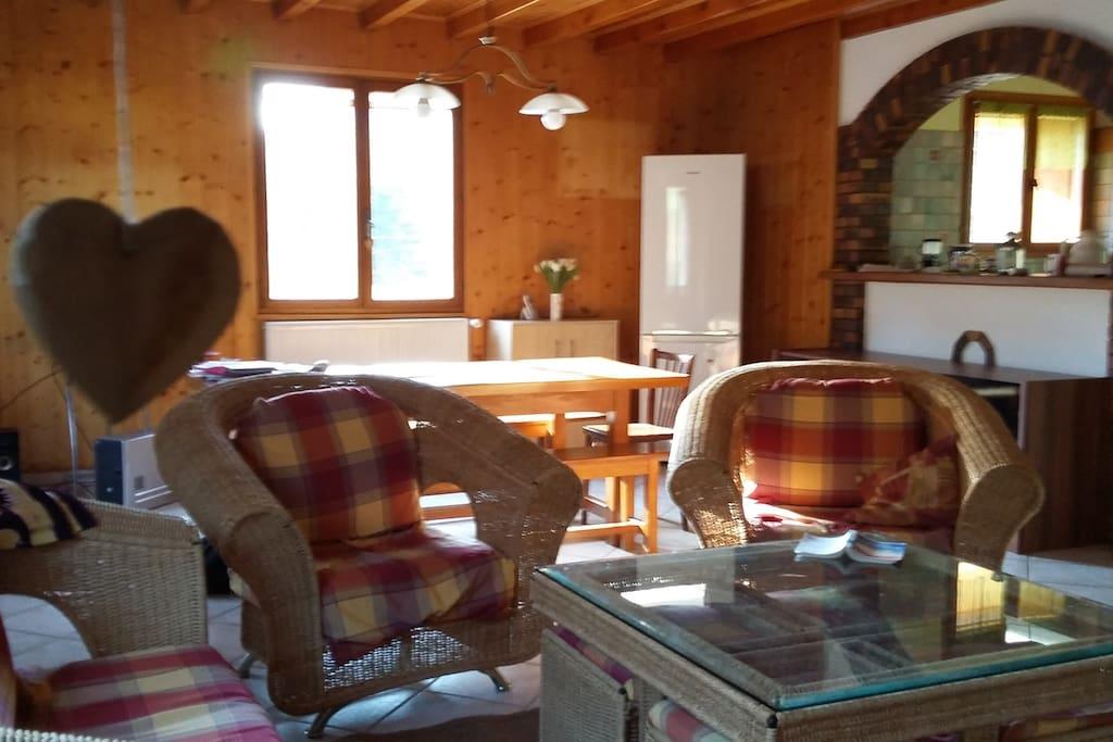 Spacieux espace séjour salon cuisine de 50 m2