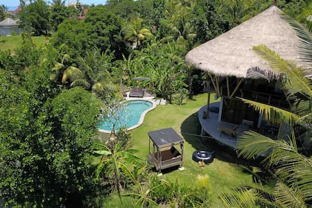 Big TREEHOUSE private pool 40% off until sept