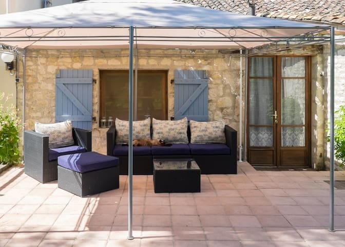Comfortable well equipped gite in tranquil setting - Montcuq - Vacation home