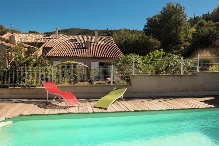 Stylish Villa in Fraissé-des-Corbières with Swimming Pool