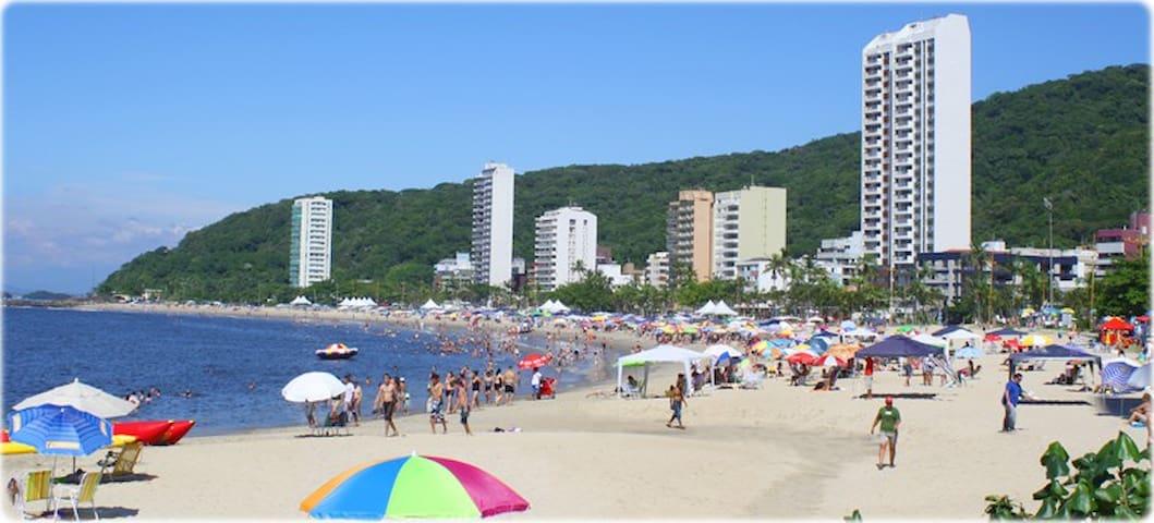 Apartamento em Caiobá a 100 metros da praia.
