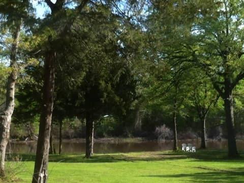 *Waterfront Lake Tawakoni Tree House Rental