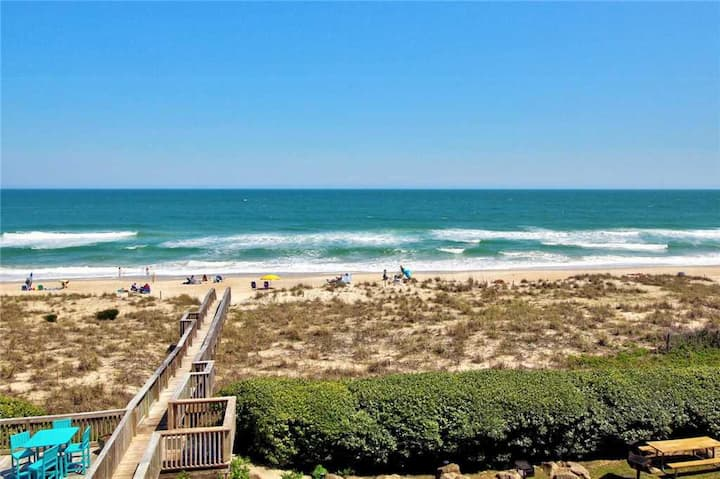 Water's Edge!  Ocean condo w/ Indoor Heated Pool