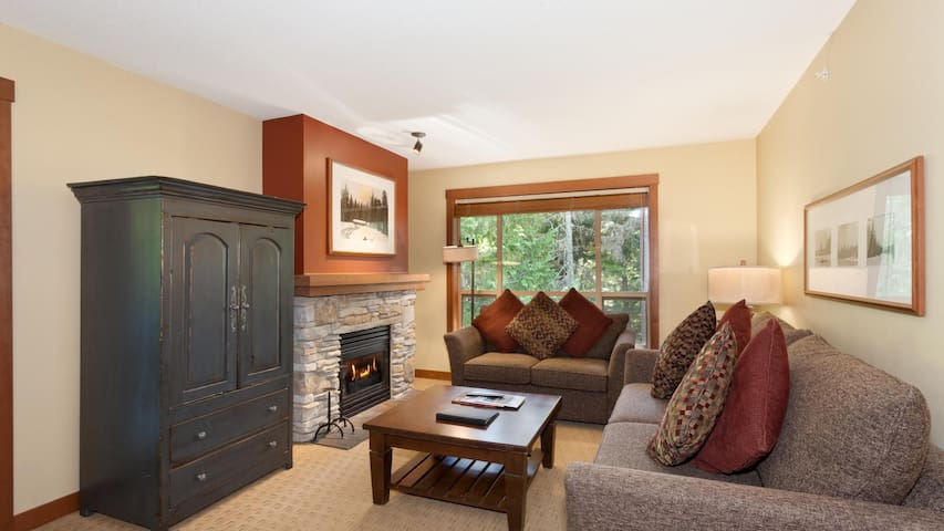 Quiet Whistler Getaway- 3 bedroom suite