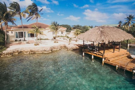 OCEAN FRONT luxury villa Private beach and pier