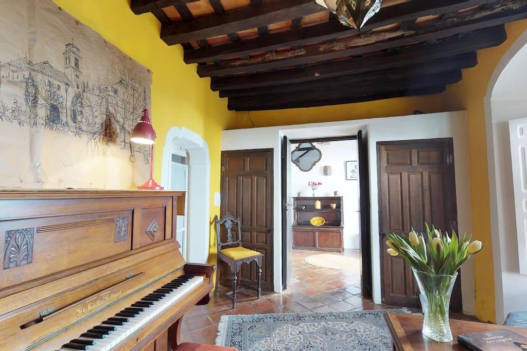 La casa del piano in quaint jimena de la frontera for I migliori progettisti del piano casa