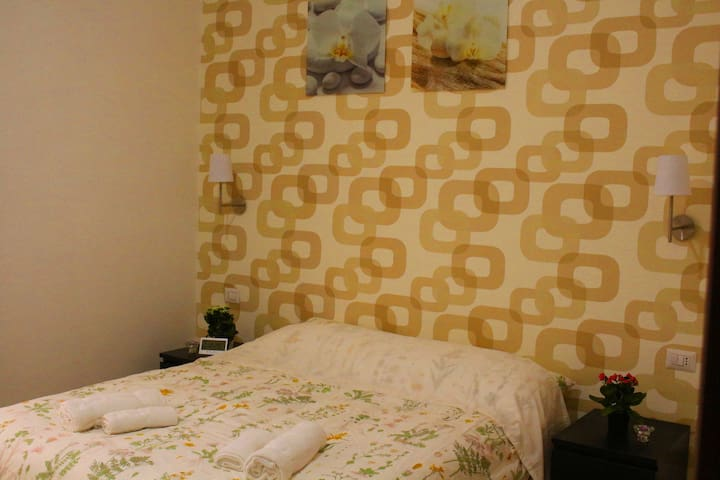 Near Colosseum Double Room With Barthroom 2