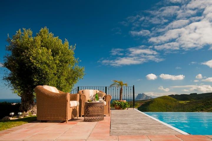5 Bed Seaview Heated Pool, Tennis in Alcaidesa