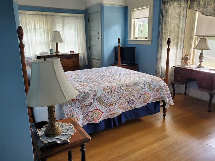 Helen's Room in the famous Hartness House