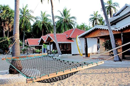 Kite Surfing Beach Resort Rooms 2 - Puttalam - Chalet