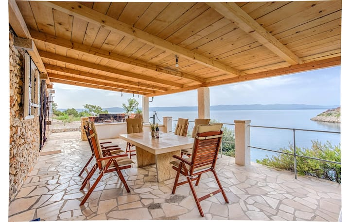Stunning home in Bol with WiFi and 3 Bedrooms