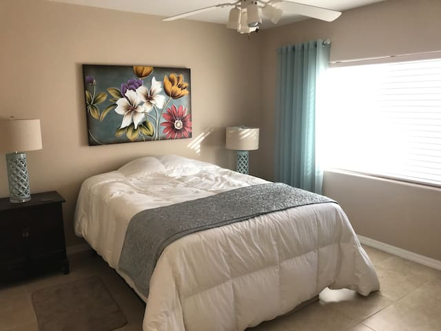 Beautiful Private Room, experience the desert!