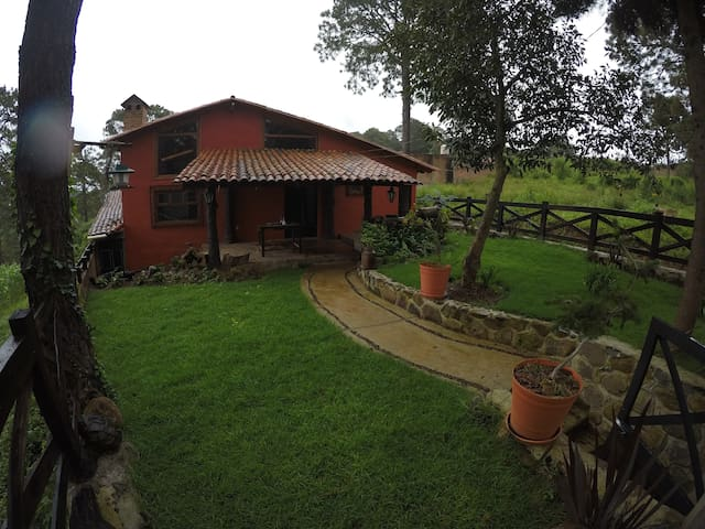 Cabaña la Cañada 7 personas zona boscosa