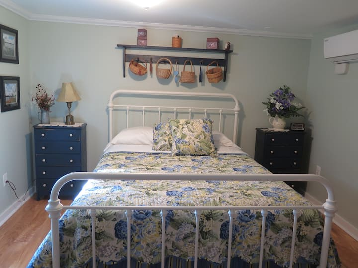 The Travel Room - Dean Lane Bed & Breakfast