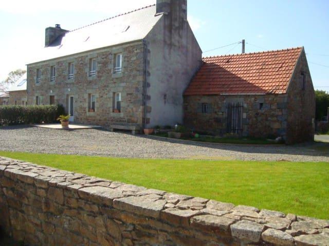Belle maison avec jardin - Ploumilliau - Hus