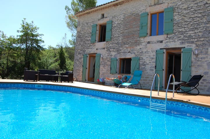 Delightful cottage private pool and stunning views