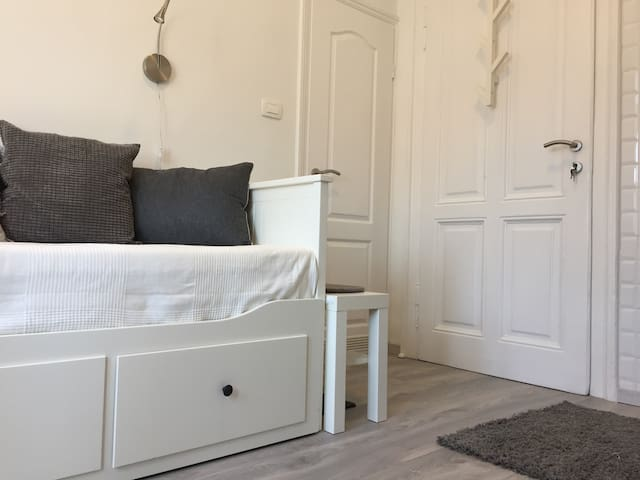 Newly renovated mini studio in Zagreb Centre - Zagreb - Appartement