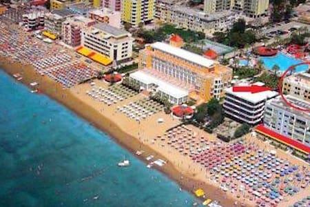 Cozy apartment on the beach - Durrës - Apartmen